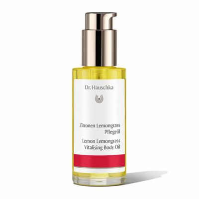 Dr Hauschka Lemon Lemongrass Vitalising Body Oil. Awaken your body and mind with vitalising everyday body care. Lemon Lemongrass Vitalising Body Oil fortifies and firms the skin while the uplifting, refreshing scent of lemon peel and lemongrass extracts invigorate.